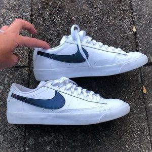 8.5 Women's Nike Blazer Low White/Teal